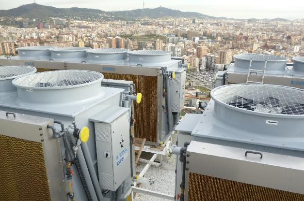 Esta instalación, al lado del mar, esta refrigerada por 4 adiabáticos Técnicas Evaporativas